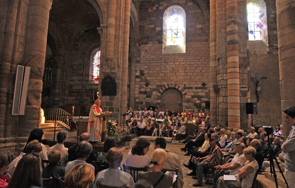 Basilique Saint-Julien de Brioude, Bénédiction des vitraux du Père Kim En Joong