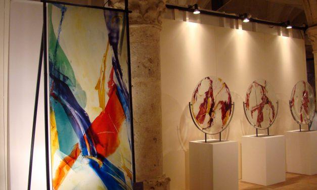 «Les vitraux du père Kim En Joong, peintre de lumière à la triple identité»